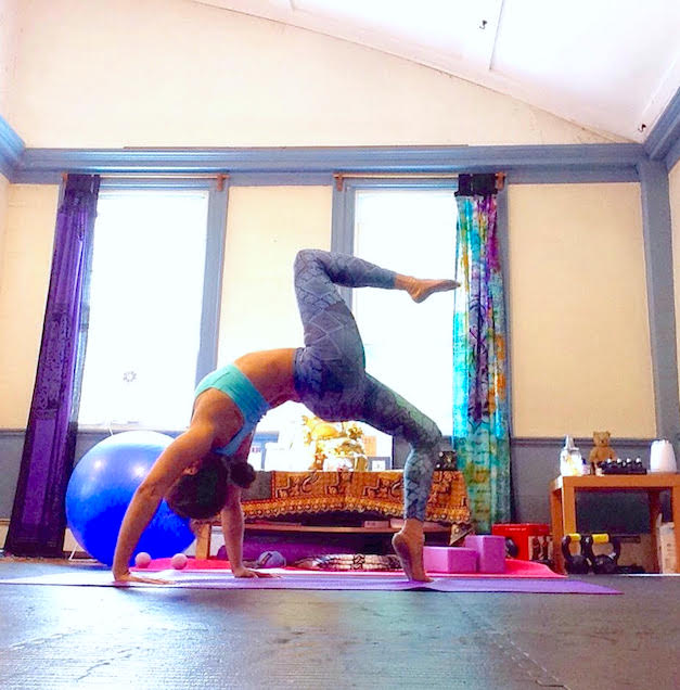 One-Legged Upward Bow Pose with Liquido